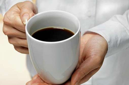 drink coffee on an empty stomach